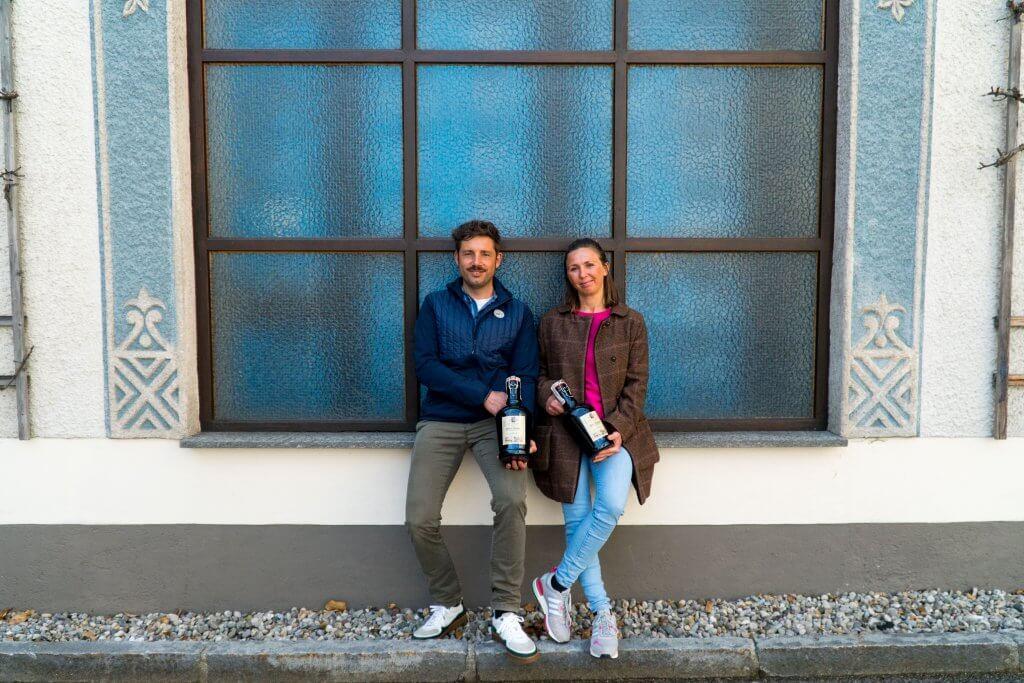 Unser Bräu Maximilian und seine Frau Birgit beim Gassenverkauf